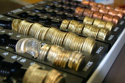 Geld Münzen im Zählbrett