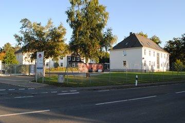 Blick auf das Gebäude von der Grauhöfer Landwehr aus