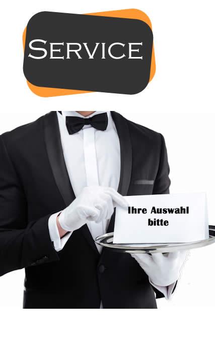 Kellner mit Tablett