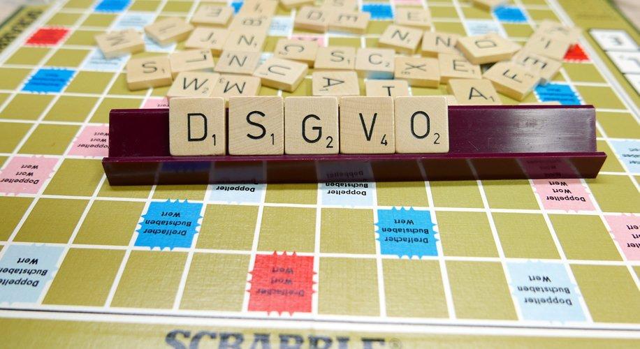 Scrabble Steine zur Datenschutz-Grund-Verordnung